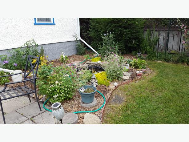 471 Sprague St - Professionally Marketed by Judy Lindsay Team