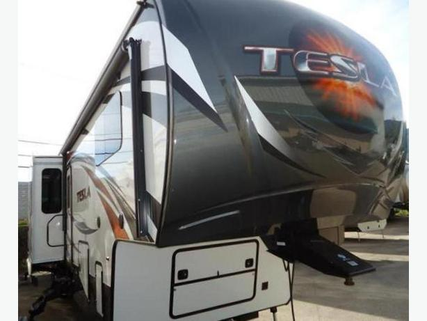 2015 EverGreen Tesla T3970  Toyhauler