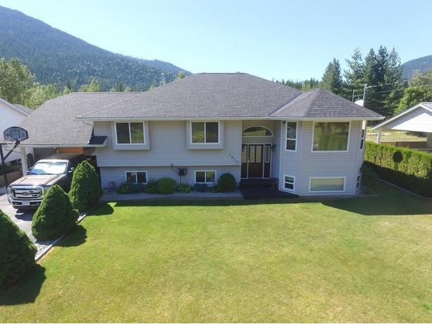 Nelson House for Sale - Salmo