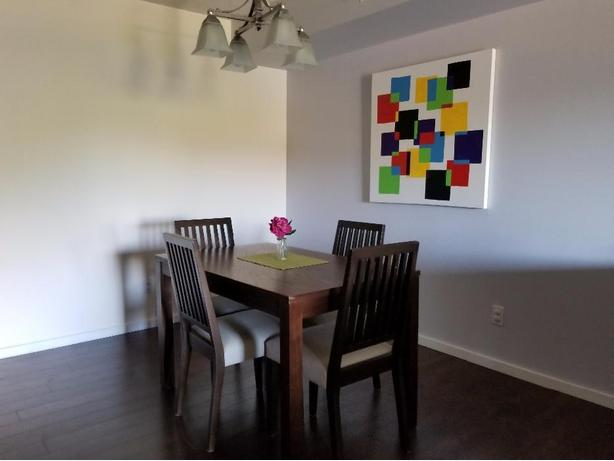 Dinning room table with 4 chairs