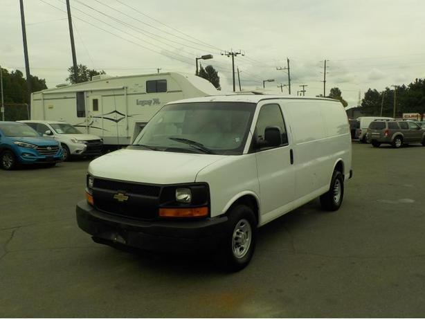 2007 Chevrolet Express 2500 Cargo Van w/ Shelving