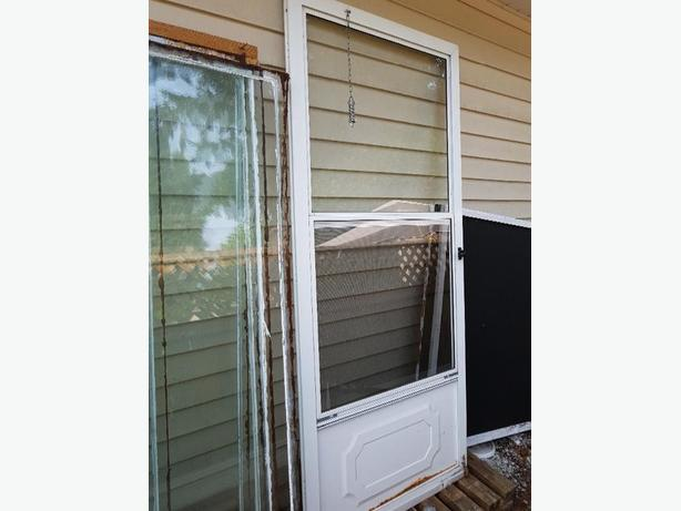 Metal screen door