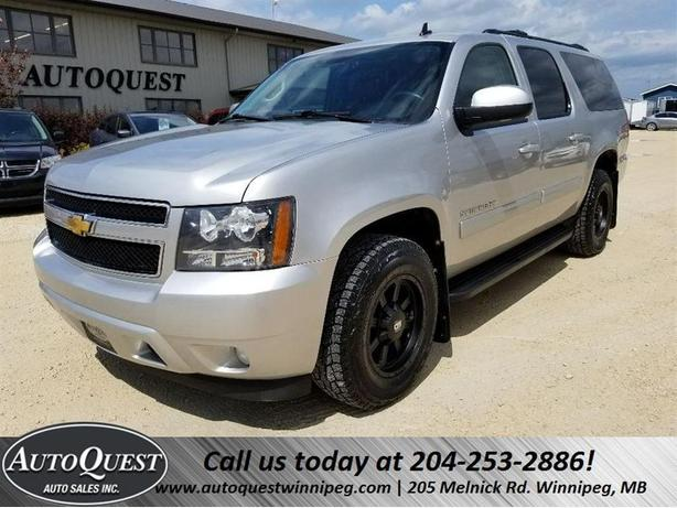 2011 Chevrolet Suburban LT - 8 PASSENGER, LEATHER, PWR SUNROOF & MORE!