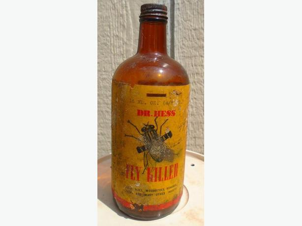 VINTAGE 1940-50's DR. HESS FLY KILLER (16 oz) PAPER LABEL BOTTLE
