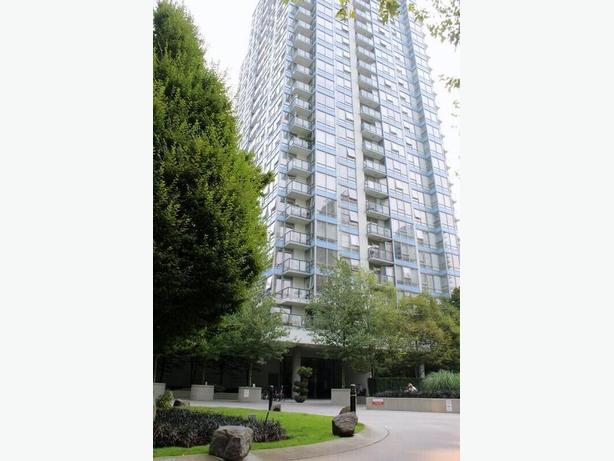 Bright Modern Furnished 2 Bedroom + Office Condo for Rent in Yaletown #779