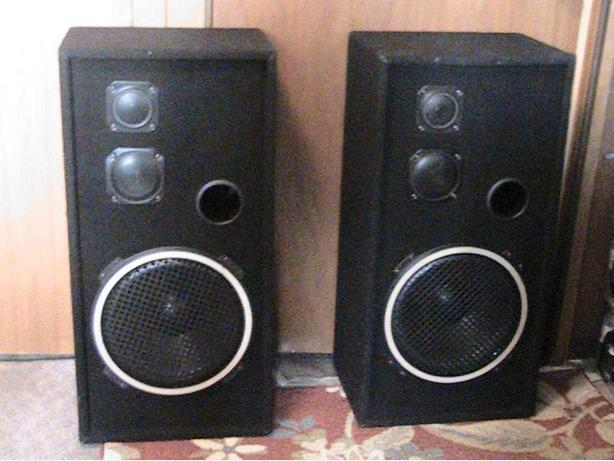 Vintage Mint 3-way Audio Tech/Cerwin Vega Pro poly series speakers