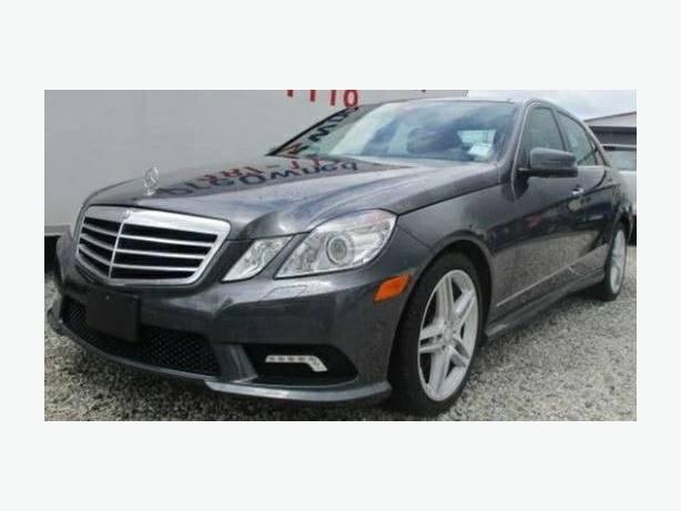 2011 MERCEDES BENZ E-CLASS E350 4MATIC - Loaded with Options!