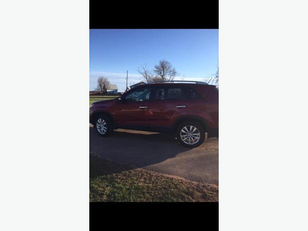 2011 Kia Sorento EX V6 fully loaded