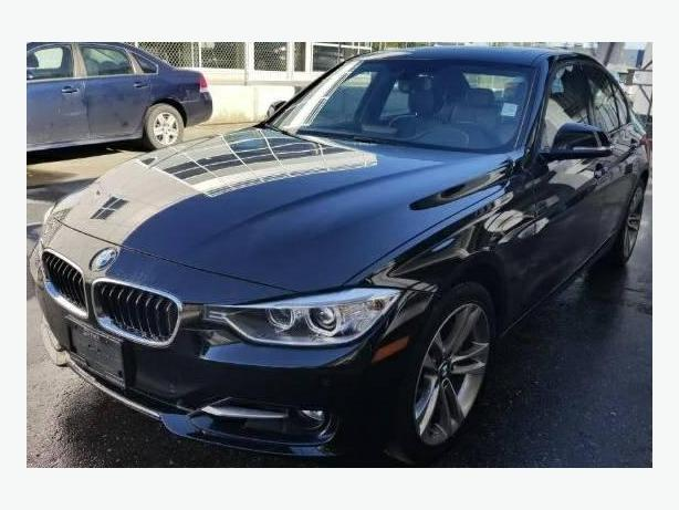 2013 BMW 3 Series 335i xDrive - LIKE NEW AND FULLY LOADED!