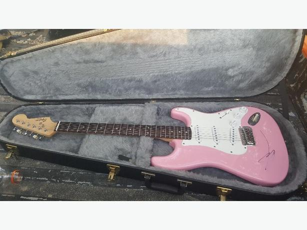 electric fender squire guitar