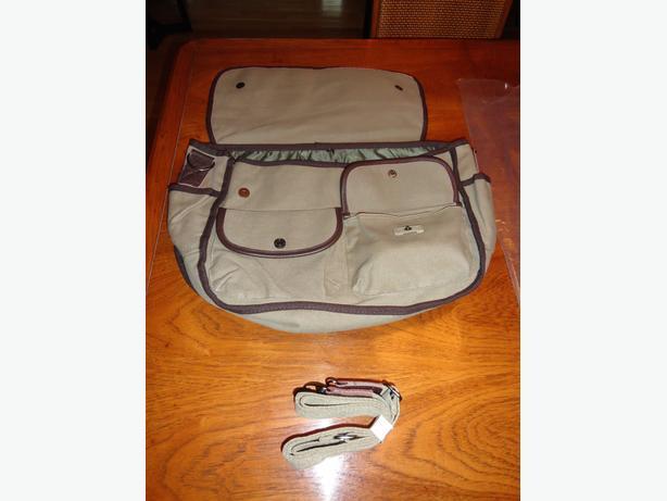 NEW - True Religion Messenger bag