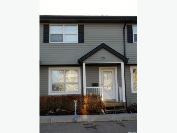 2 bedroom A/C Rochdale townhouse for rent Sept 1st