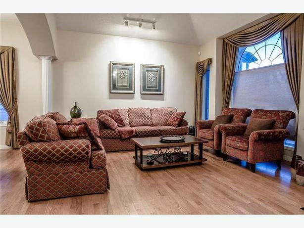 Moving sale - Chestermere - High-end furniture