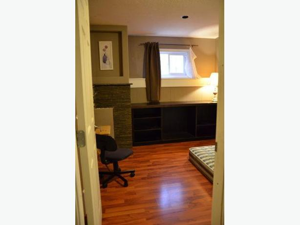 One semi upstairs bedroom for rent- Close to University of Regina