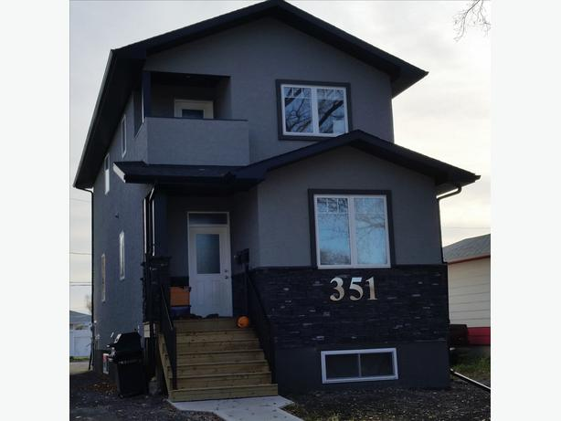 2 bedrooms in Coronation Park - Available now
