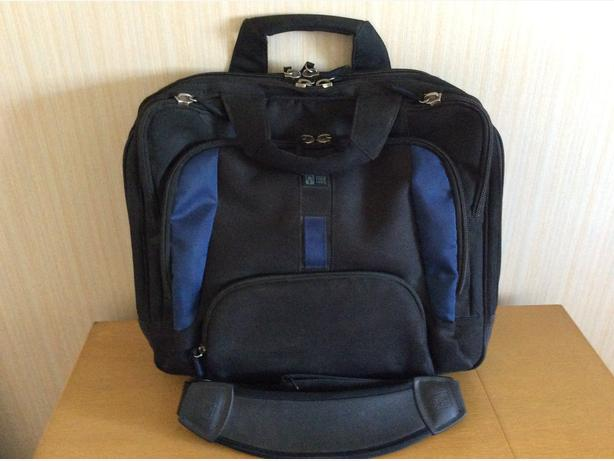 Case Logic Messenger/Laptop Bag