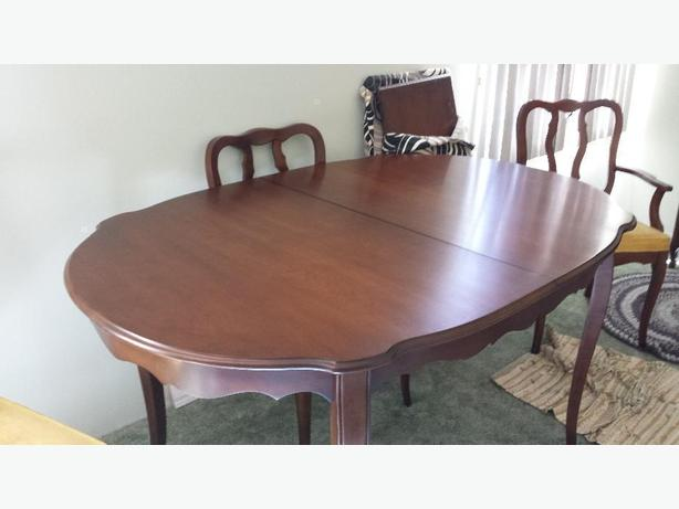 solid wood classic 70's  dining room set
