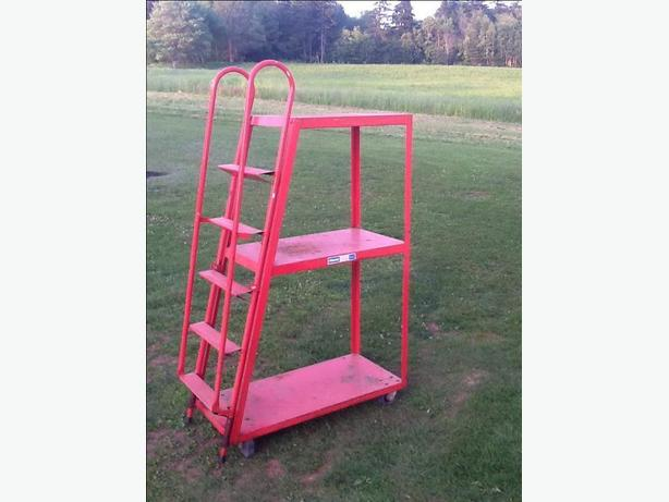 Stock platform ladder