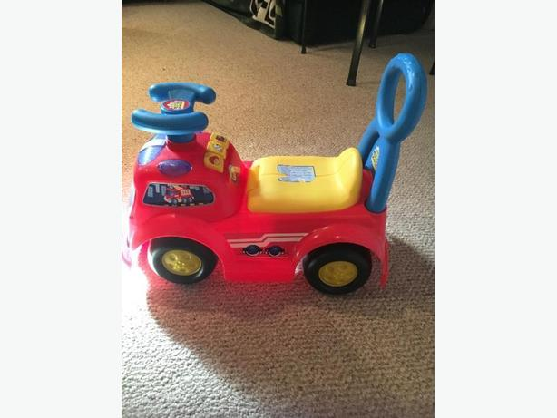 Fire engine riding toy