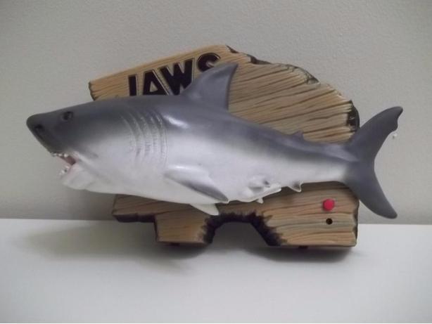Vintage Jaws singing shark