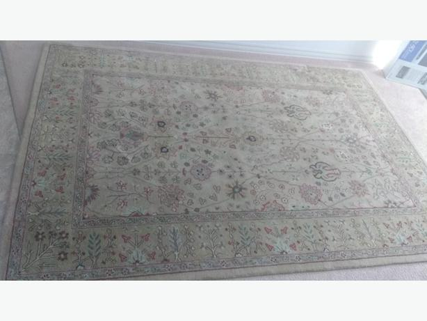 7' X 9' All-wool Oriental Carpet