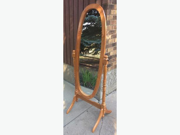 Standing Oak Oval Mirror
