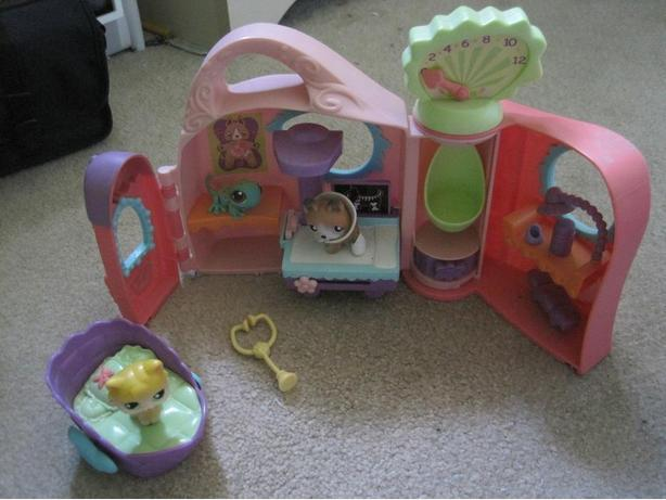 Littlest Pet Shop Get Better Center