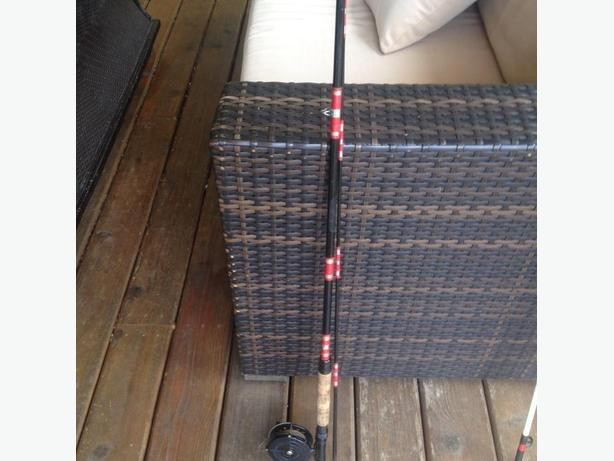 9ft. Fiberglass Fly Rod and Reel 6/7 weight bintage