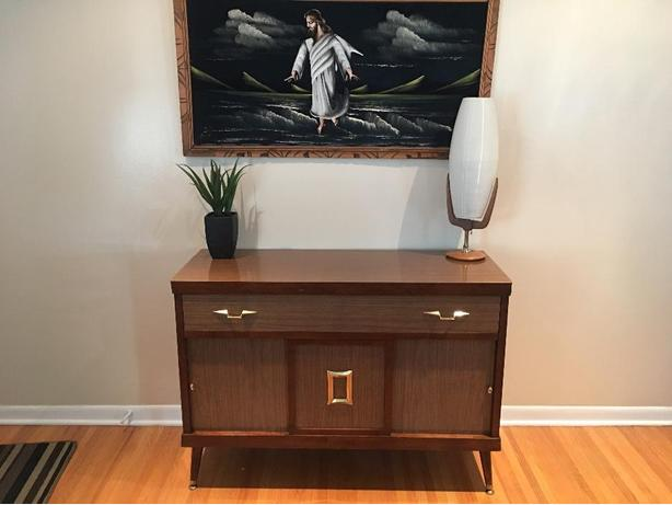 Mid Century Hutch / Side Board