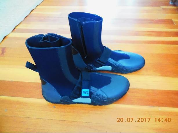 MEC Moque water boots high, sz 8-8.5,  NEW