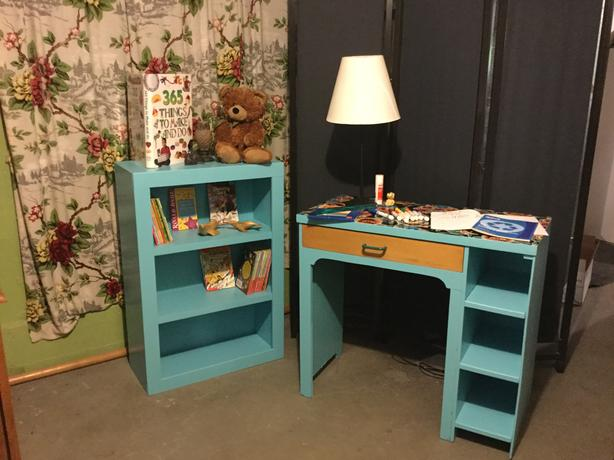 Retro desk and bookshelf set
