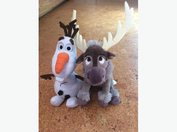 Olaf/Sven and Yoshi stuffies