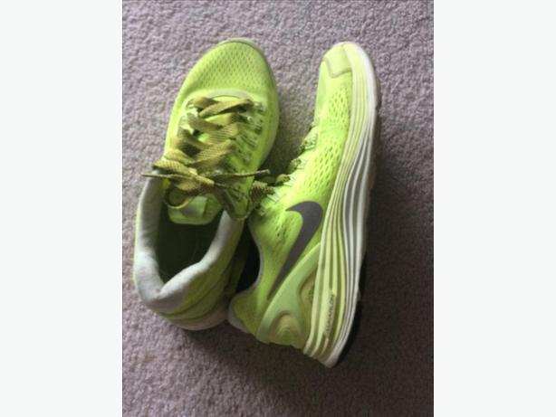 PRICE DROP - Nike letharon workout shoes size 8-8.5