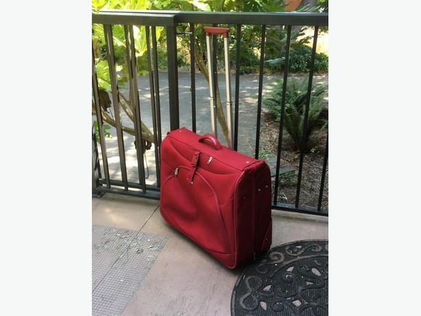 Samsonite rolling garment suitcase