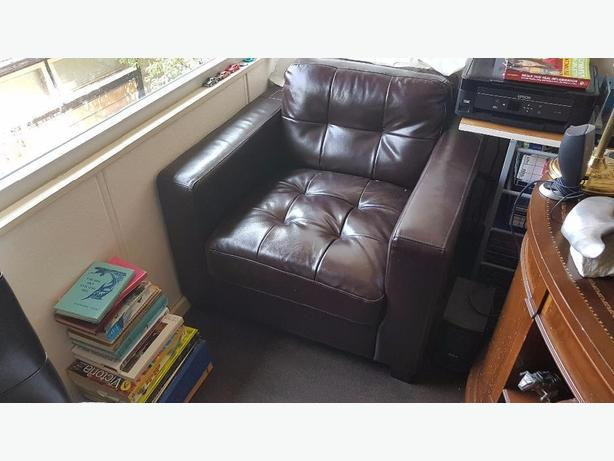 Coffee/blk/brown Leather Chair