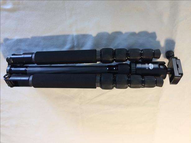 Sirui T-025X Carbon Fiber Travel Tripod