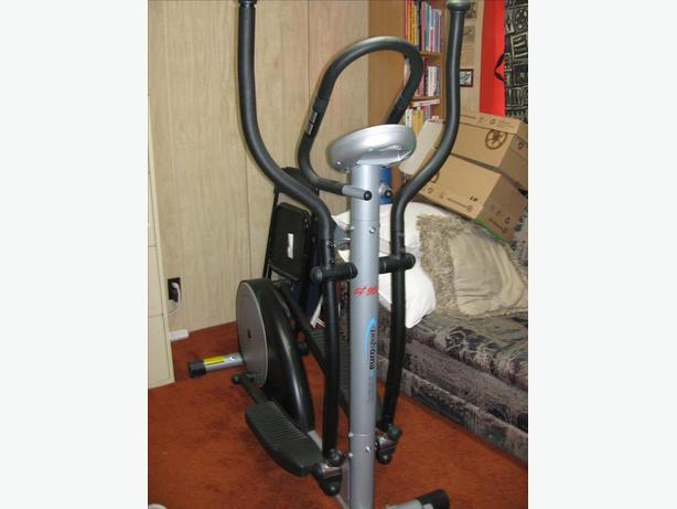 Elliptical Cross Trainer Machine - In Excellent Condition