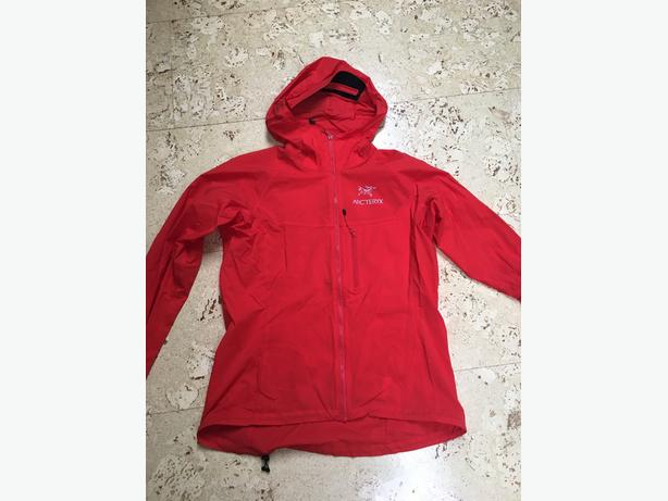Women's Arcteryx Squamish Hoody - Size S - Red