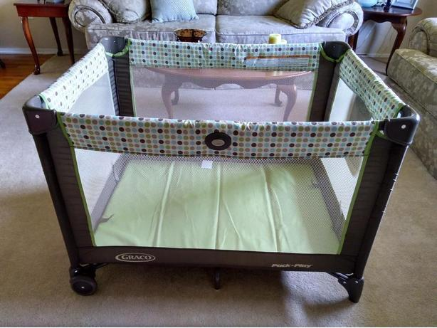 GRACO PLAY PEN IN PERFECT CONDITION
