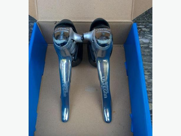 Ultegra 9 spd shifters / DuraAce bar ends and assorted parts
