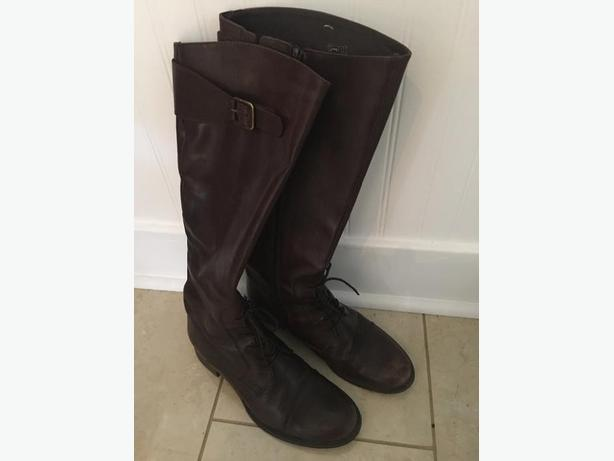Chocolate brown leather boots size 9