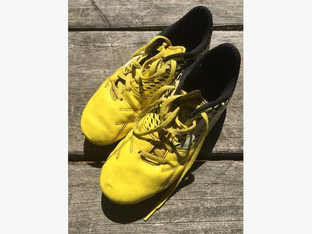 Kids Adidas Soccer Cleats Sz 5