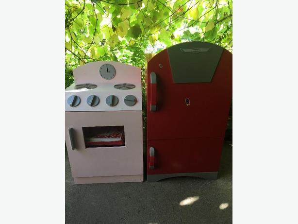 wooden play stove/oven and fridge