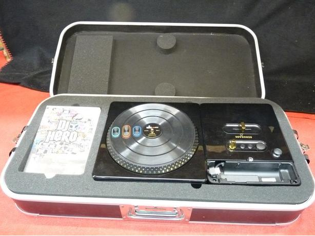 Wii JAY-Z renegade edition turntable with stand and DJ Hero game