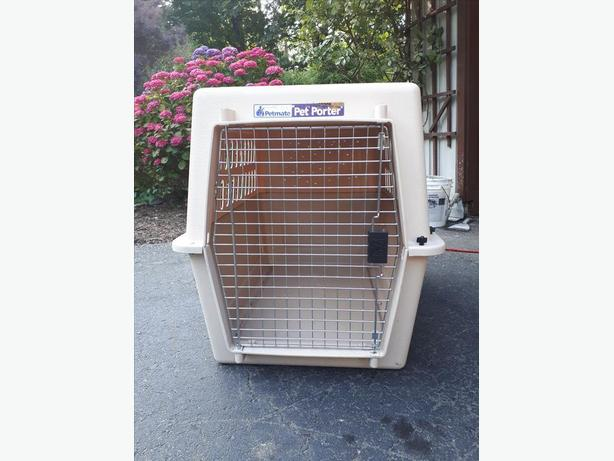 Large size PETMATE dog kennel