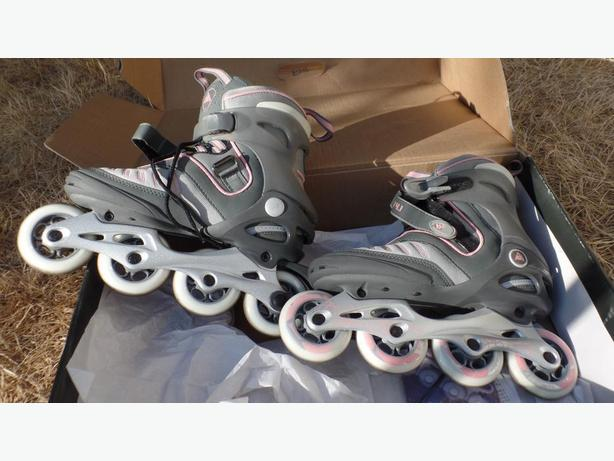 SK2 Women's Size 8 Inline Skates PRICE CHANGE AS NEW CONDITION IN BOX