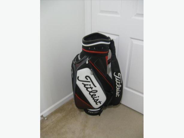 "TITLEIST PGA TOUR GOLF BAG 12"""