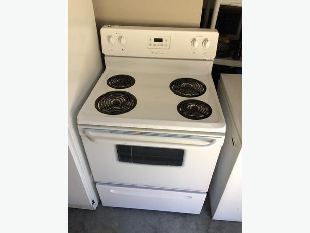 Frigidaire stove - good condition