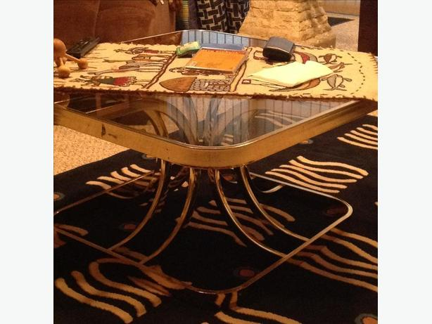 Coffee table metal with glass top