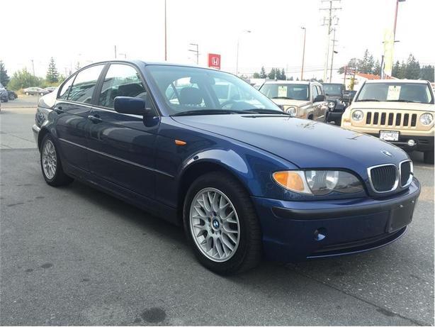2004 BMW 320i i